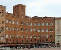 Palazzo Sansedoni, sede della Fondazione Monte dei Paschi di Siena