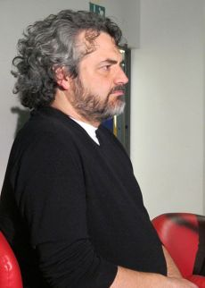 427px-Edoardo_nesi,_biblioteca_lazzeriniana_di_prato,_marzo_2012,_01