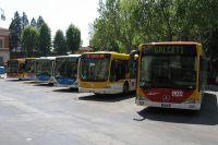 1200px-Autobus_CAP_in_piazza_Stazione