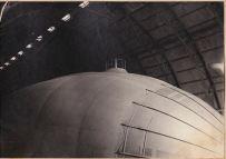M6 all'interno dell'hangar di cui si intravede la struttura metallica - giugno 1916 - archivio Osti